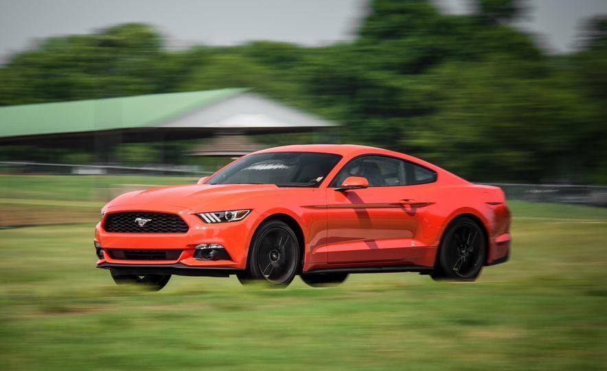 2015 Ford Mustang 2.3L EcoBoost - Slide 6