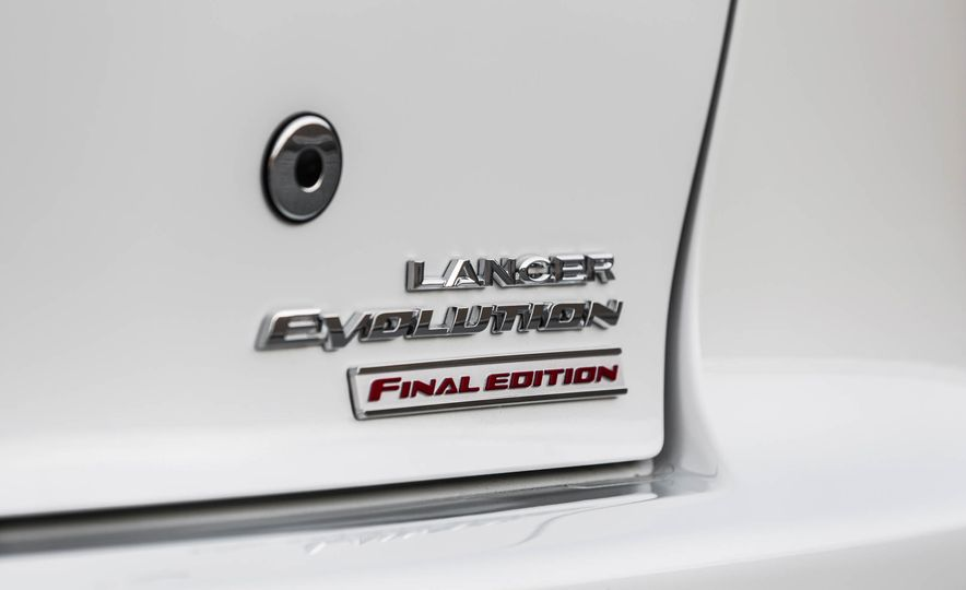 2015 Mitsubishi Lancer Evolution Final Edition - Slide 16