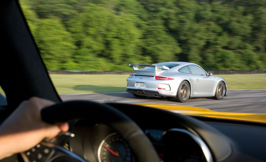 2015 Porsche 911 GT3 - Slide 1