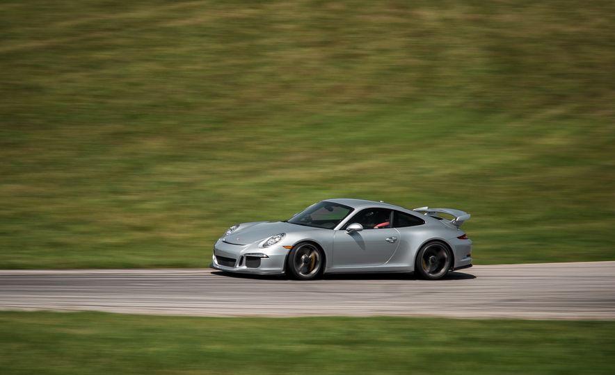 2015 Porsche 911 GT3 - Slide 5