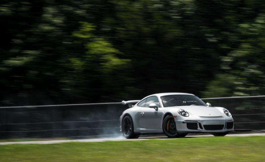 2015 Porsche 911 GT3 - Slide 8