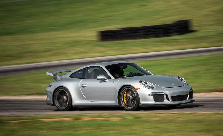 2015 Porsche 911 GT3 - Slide 13