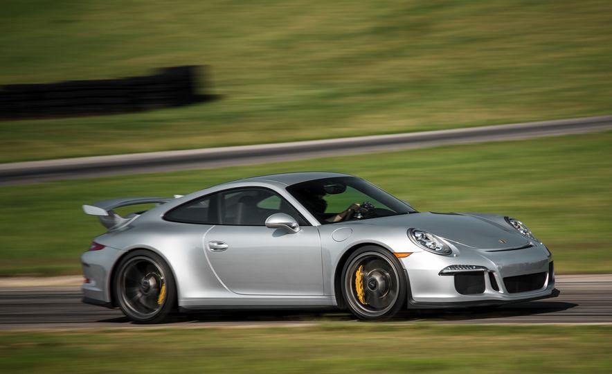 2015 Porsche 911 GT3 - Slide 17