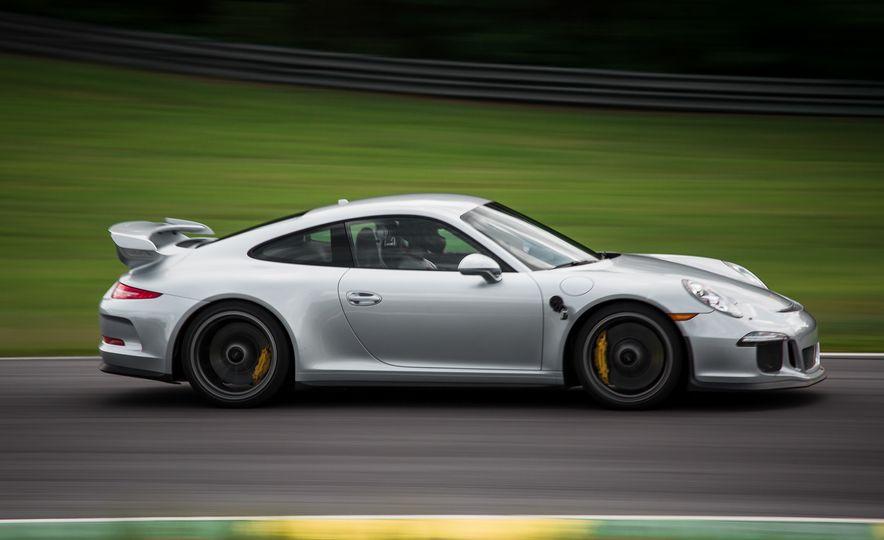 2015 Porsche 911 GT3 - Slide 18