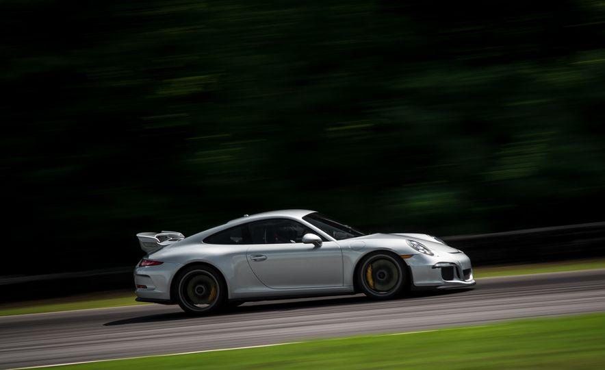 2015 Porsche 911 GT3 - Slide 20