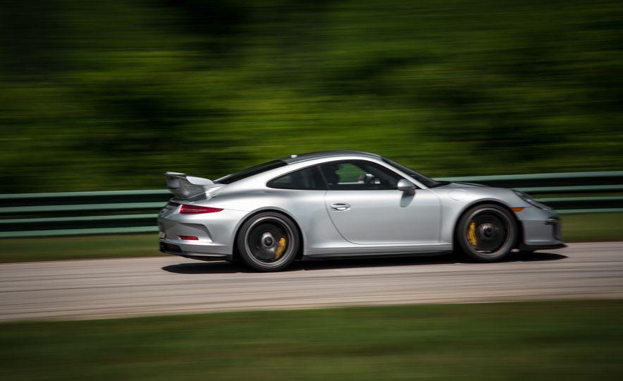 2015 Porsche 911 GT3 - Slide 21