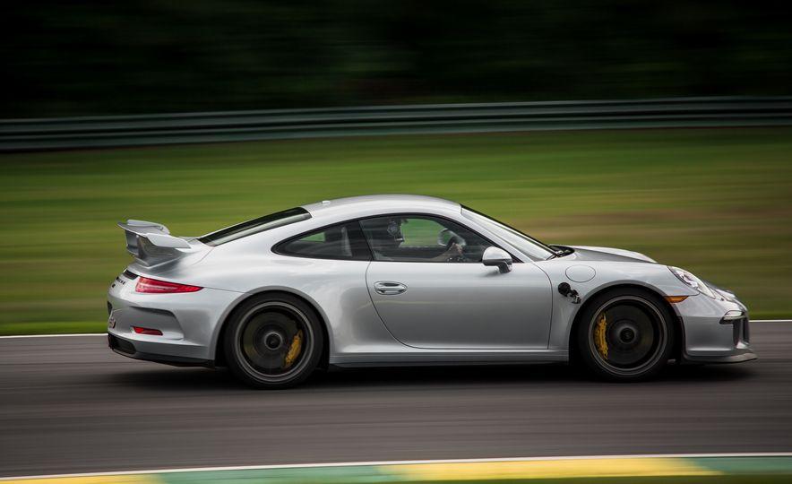 2015 Porsche 911 GT3 - Slide 23