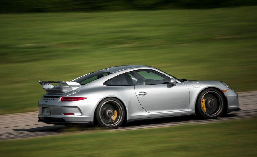 2015 Porsche 911 GT3 - Slide 25