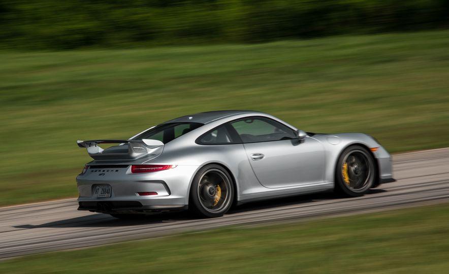 2015 Porsche 911 GT3 - Slide 27