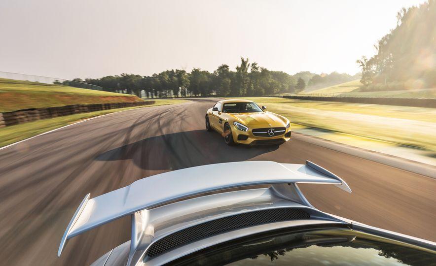 2015 Porsche 911 GT3 - Slide 30
