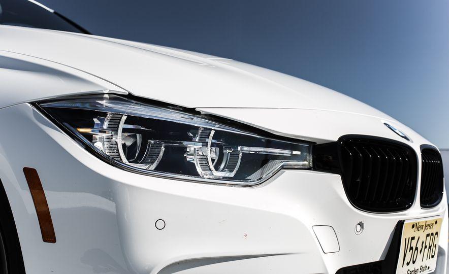 2016 BMW 328i M Sport - Slide 18