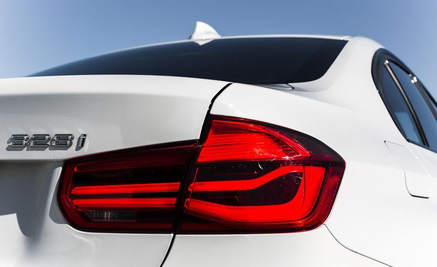 2016 BMW 328i M Sport - Slide 25