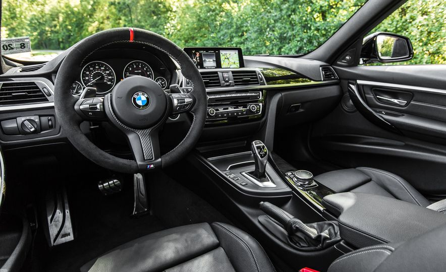 2016 BMW 328i M Sport - Slide 32