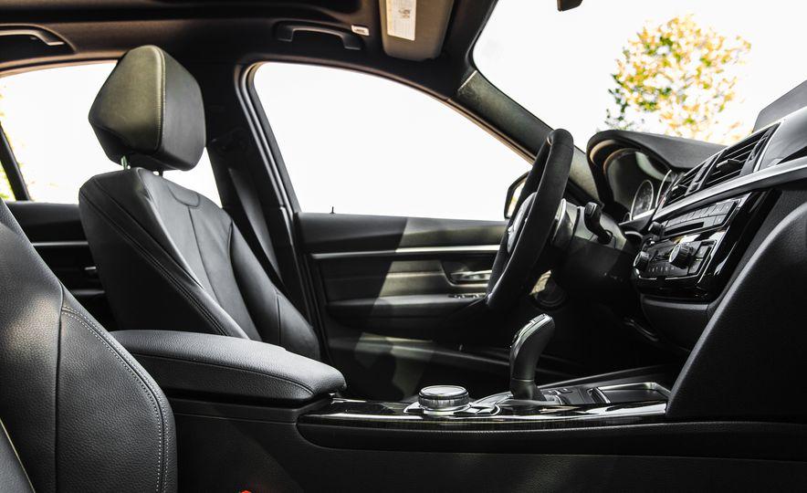 2016 BMW 328i M Sport - Slide 36