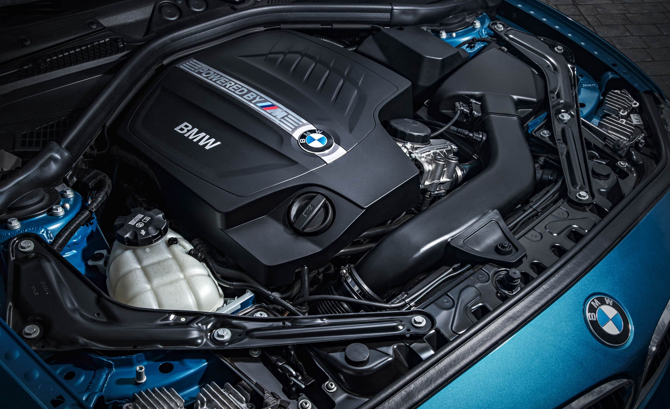 2019 Bmw M2 Reviews Bmw M2 Price Photos And Specs Car And Driver