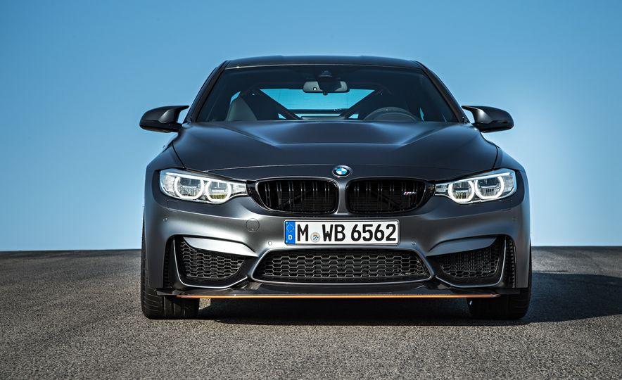 2016 BMW M4 GTS - Slide 19