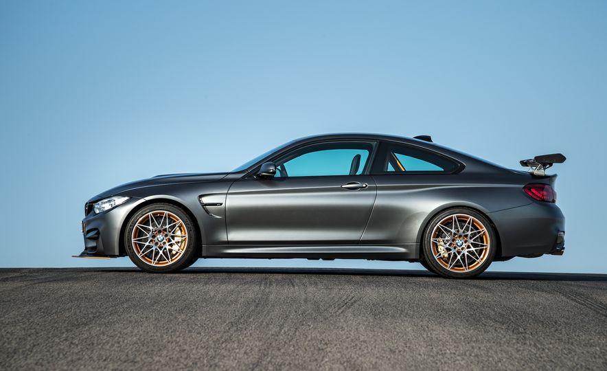 2016 BMW M4 GTS - Slide 20