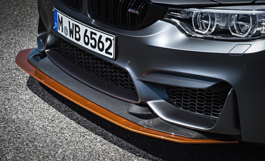 2016 BMW M4 GTS - Slide 30