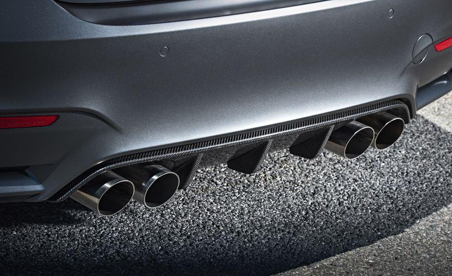 2016 BMW M4 GTS - Slide 32