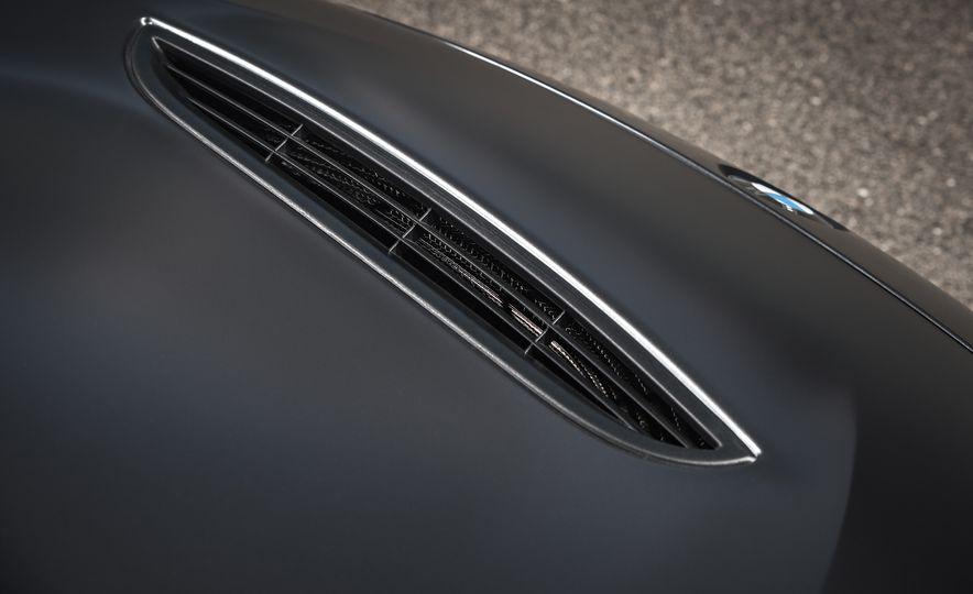2016 BMW M4 GTS - Slide 33