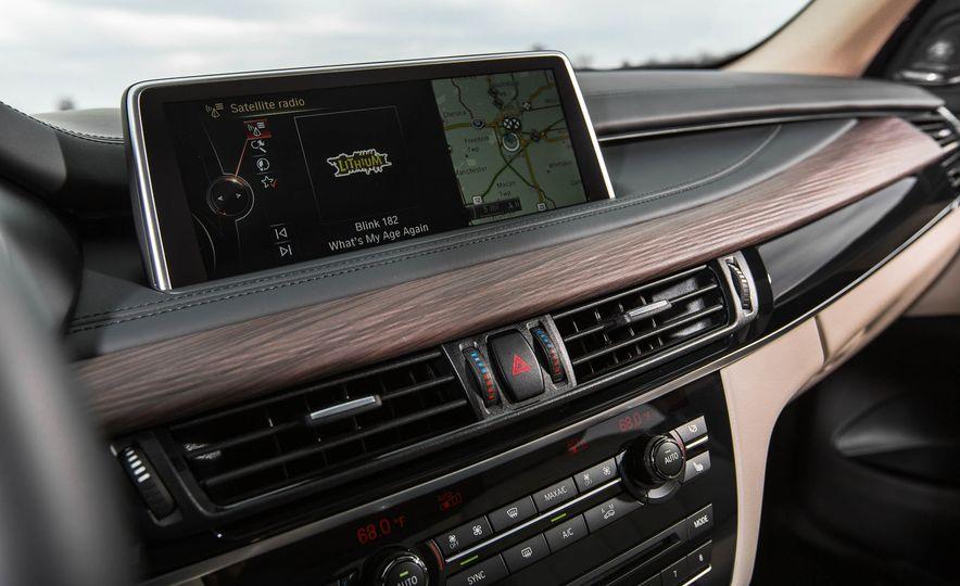 2016 BMW X5 xDrive40e - Slide 33