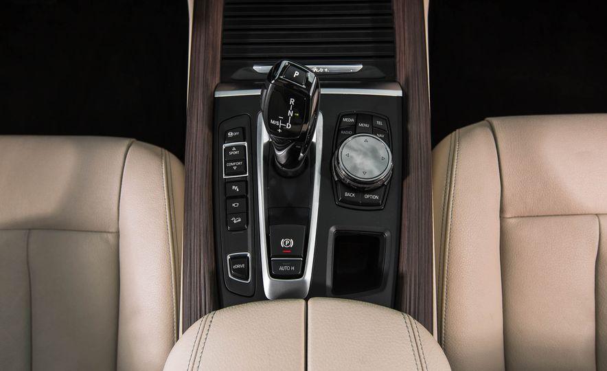 2016 BMW X5 xDrive40e - Slide 35