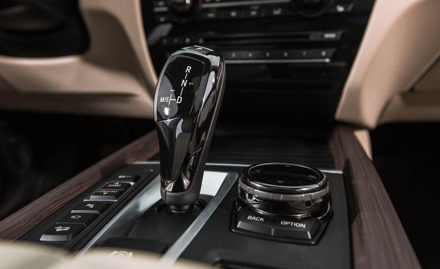 2016 BMW X5 xDrive40e - Slide 36