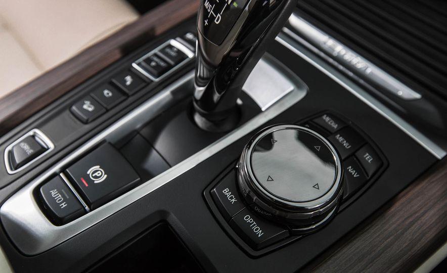 2016 BMW X5 xDrive40e - Slide 38