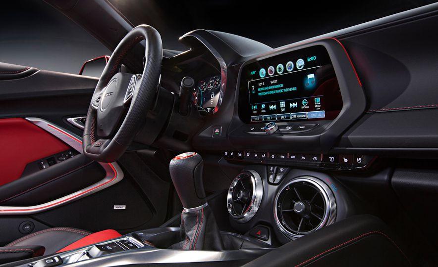 2016 Chevrolet Camaro SS - Slide 13