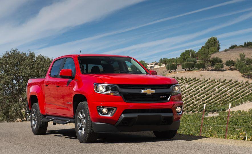 2016 Chevrolet Colorado Diesel - Slide 5