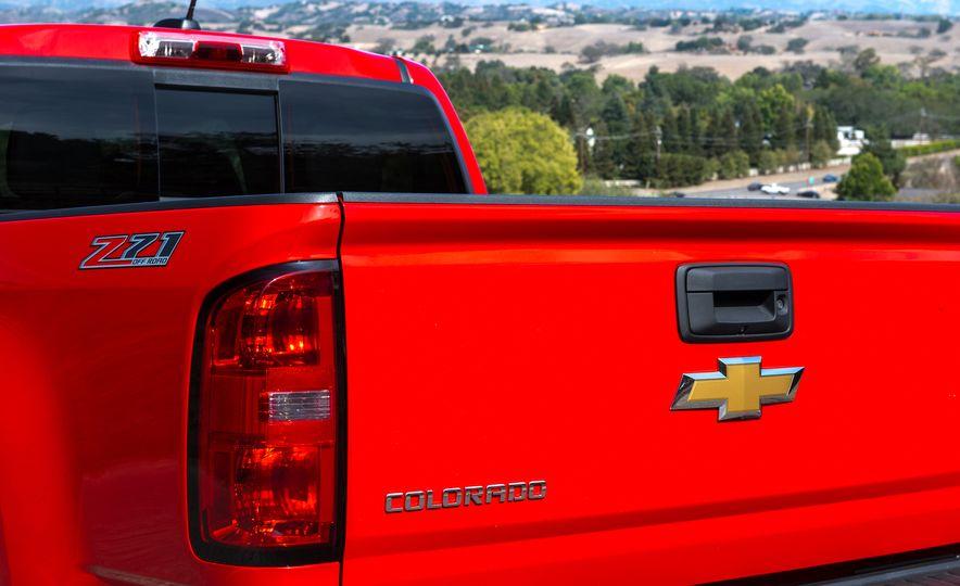 2016 Chevrolet Colorado Diesel - Slide 9
