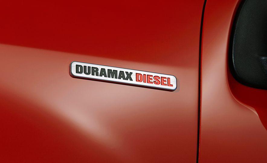 2016 Chevrolet Colorado Diesel - Slide 15