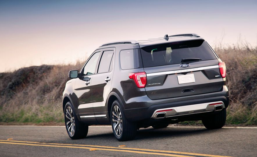 2016 Ford Explorer Platinum - Slide 41