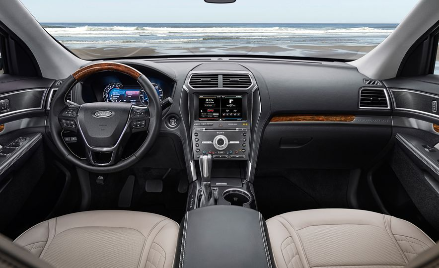 2016 Ford Explorer Platinum - Slide 45