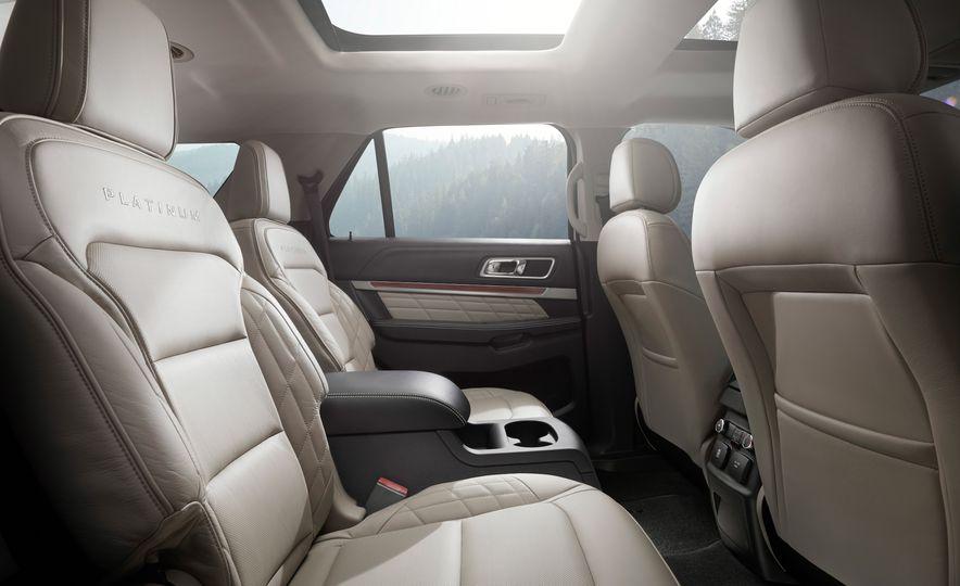 2016 Ford Explorer Platinum - Slide 46