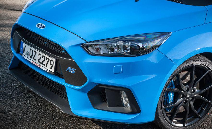 2016 Ford Focus RS - Slide 8