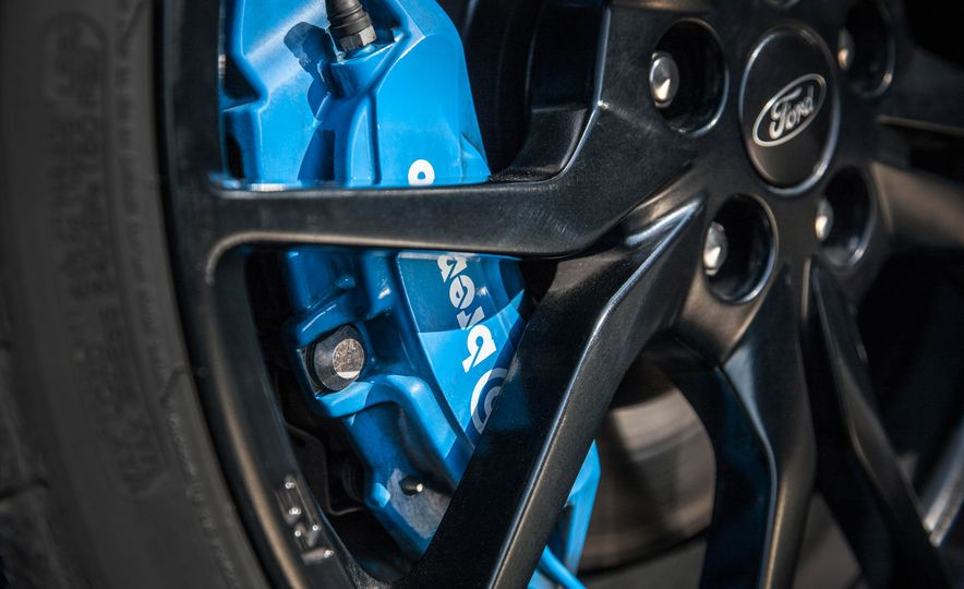 2016 Ford Focus RS - Slide 12