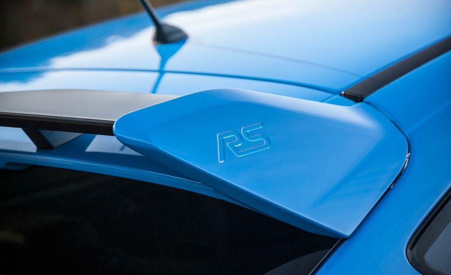 2016 Ford Focus RS - Slide 14