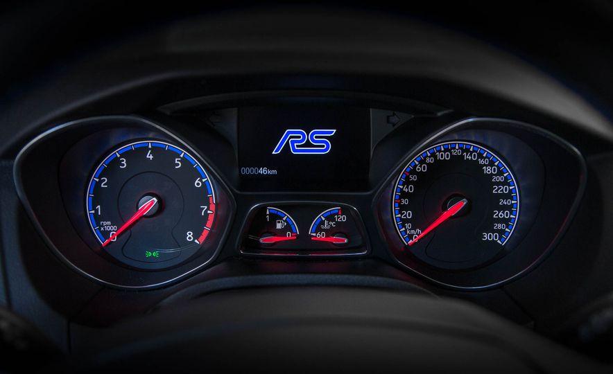 2016 Ford Focus RS - Slide 19