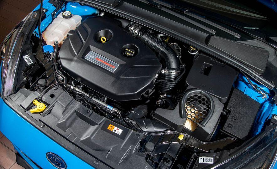 2016 Ford Focus RS - Slide 25