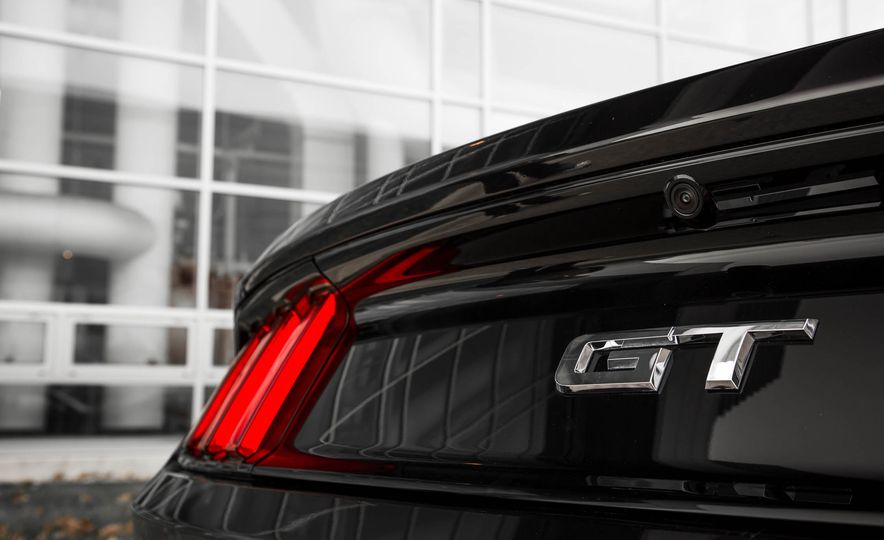 2016 Ford Mustang GT - Slide 108