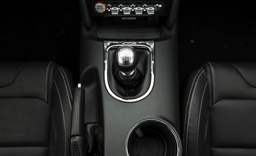 2016 Ford Mustang GT - Slide 128