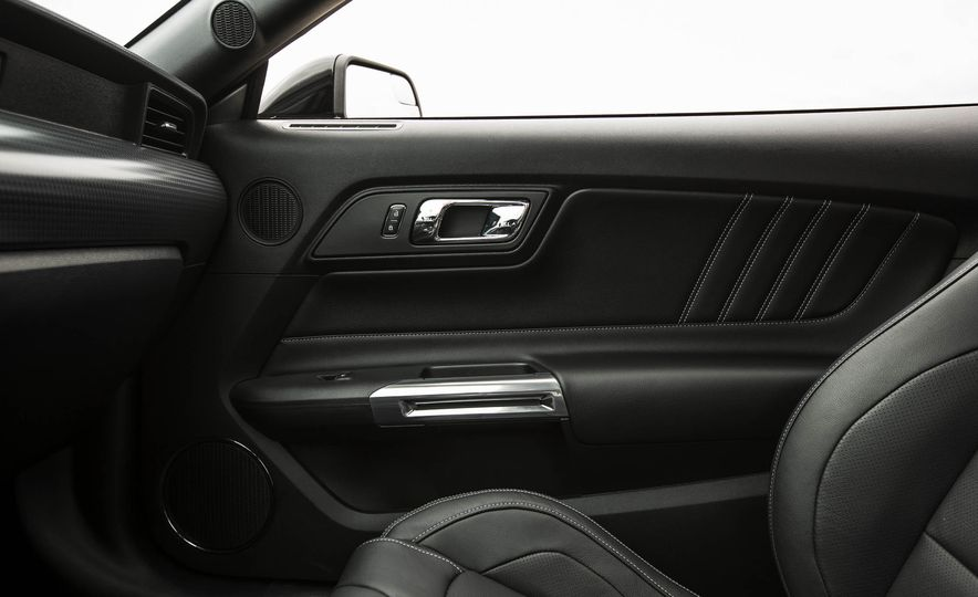 2016 Ford Mustang GT - Slide 130