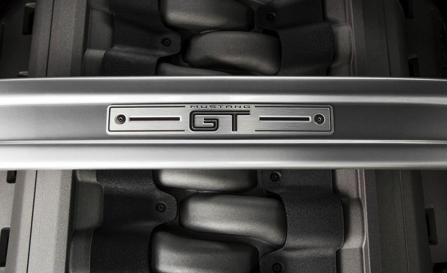 2016 Ford Mustang GT - Slide 136