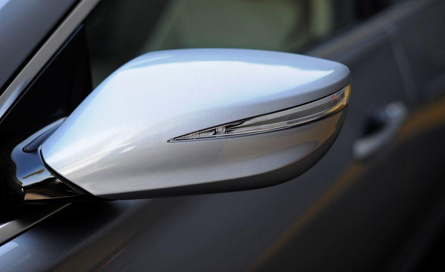 2016 Hyundai Genesis - Slide 25