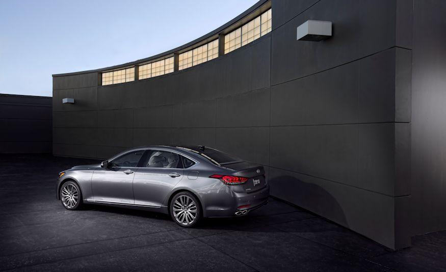 2016 Hyundai Genesis - Slide 13