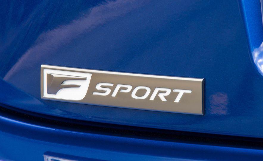 2016 Lexus RC200t F Sport - Slide 8