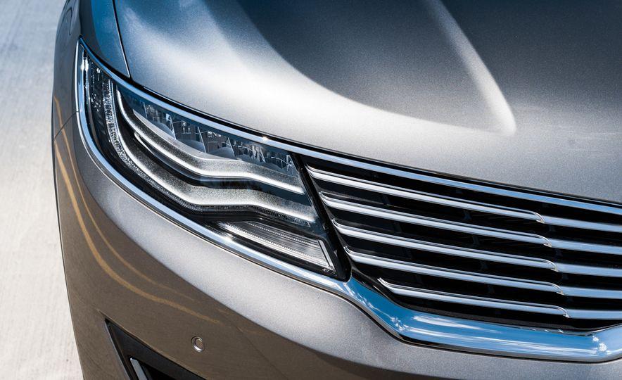 2016 Lincoln MKX Reserve AWD - Slide 4
