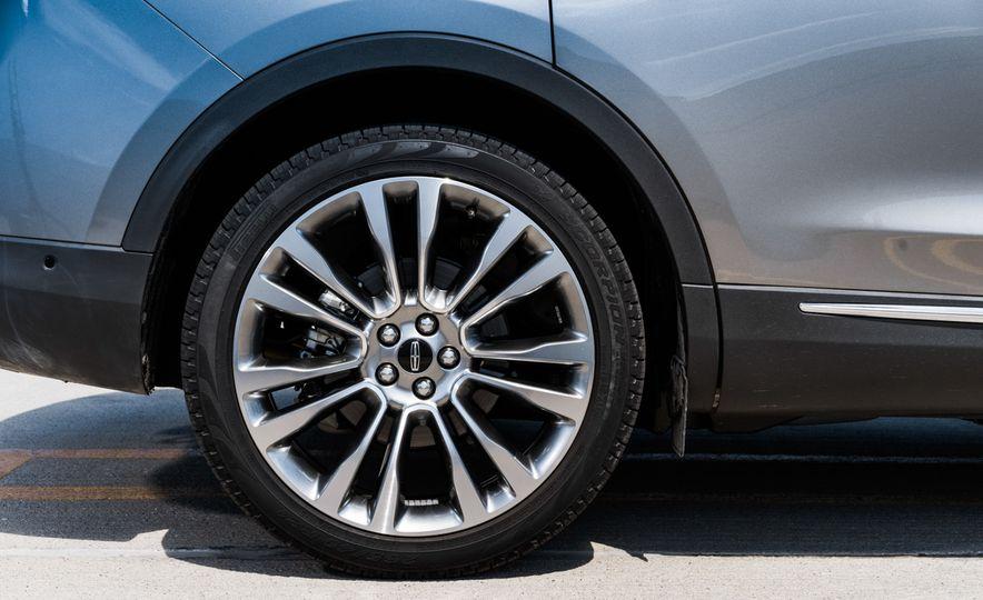 2016 Lincoln MKX Reserve AWD - Slide 5