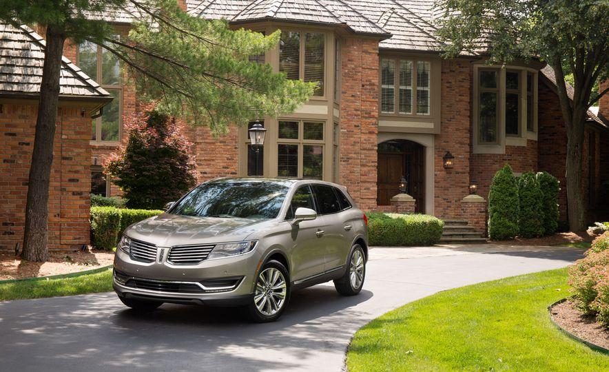 2016 Lincoln MKX Reserve AWD - Slide 17